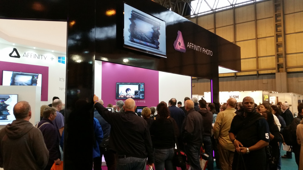 Busy Affinity stand